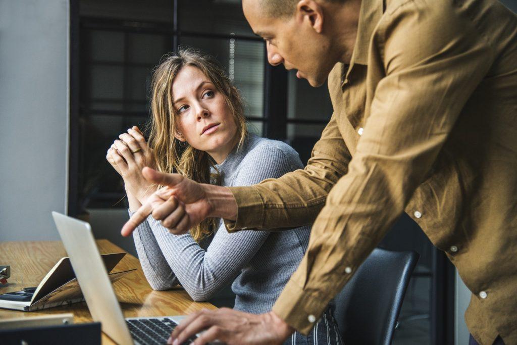 7 Wege, wie clevere Leute mit Unhöflichkeit umgehen